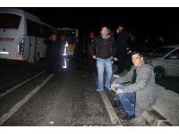 Havalimanı çalışanlarını taşıyan servis kaza yaptı: 8 yaralı