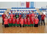Karşıyaka Belediyespor şampiyonluk yolunda
