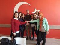 Sınıflarını, Türk bayrağıyla donattılar