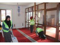 İncesu'da cami temizliği çalışmaları devam ediyor