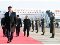 Kırgızistan Cumhurbaşkanı Ceenbekov, Özbekistan'a geldi