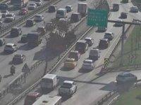 Basın ekspres'te kaza: Trafik tek şeritten sağlanıyor