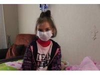Böbrek kanseri hastası küçük Nilüfer'e tedavi desteği