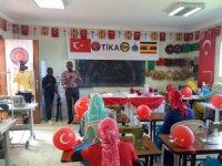 TİKA ve SENA Vakfı Uganda'da 4. dikiş nakış kursunu açtı