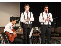 6 ayda enstrüman öğrenen çocuklardan muhteşem konser