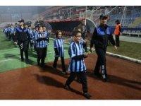 Şehit ve gazi çocuklarının hayallerini Adana polisi gerçekleştirdi