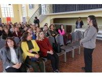 Edirne Akademi'den 'Sözsüz iletişim ve beden dili' eğitimi