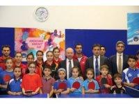 Başkan Çolakbayrakdar geleceğin sporcuları ile masa tenisi oynadı
