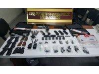 ABD'den gelen kargonun içinden silah parçaları çıktı: 3 gözaltı