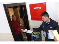 Bitlis Belediyesinden broşür ve çöp poşeti dağıtımı