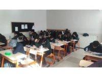 Kardelen Koleji'nde deneme sınavı yapıldı