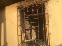 Kiracı, ev sahibine kızıp oturduğu evi ateşe verdi