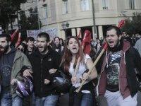 Yunanistan'da 'kemer sıkma' protestosu