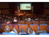 """Düzce Üniversitesi'nde """"Spor Yaralanmaları"""" konferansı düzenlendi"""