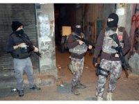 Diyarbakır'da 900 polis ve dedektör köpeklerle asayiş uygulaması