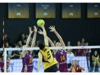 VakıfBank, Şampiyonlar Ligi'ne derbi galibiyetiyle başladı