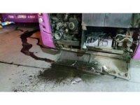 benzin istasyonunda aküsü patlayan halk otobüsü paniğe neden oldu