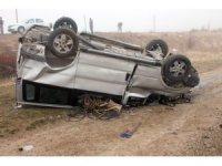 Elazığ'da minibüs şarampole yuvarlandı: 3 yaralı