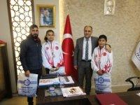 Özaltun, Beyşehir'in şampiyon milli sporcularını ağırladı