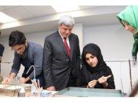 Başkan Karaosmanoğlu'ndan Gebze Akademi Lisesi'ne sürpriz ziyaret