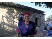 Mezitli Belediyesi, yıkılan evi onardı