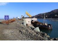 Rize-Artvin Havalimanı deniz dolgusu için 3 ayda 5 milyon ton taş kullanıldı