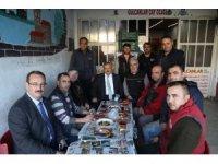 Başkan Uysal, esnaflarla kahvaltı yaptı