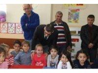 Okul öncesi öğrencilere  eğitici materyal ve oyuncak desteği