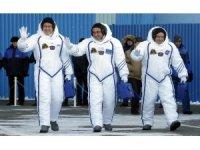 Soyuz uzay aracı 3 mürettebatla fırlatıldı