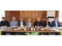 Başkan Gümrükçüoğlu, belediye çalışanları ile bir araya geldi