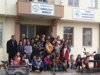Burhaniye'de minik öğrenciler Engelliler Merkezini ziyaret etti