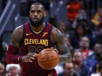 LeBron James'ten peş peşe üçüncü 'triple double'