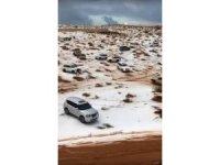 Birleşik Arap Emirlikleri'nde çöle kar yağdı