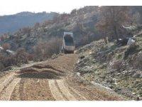 Alaşehir Belediyesinden 735 metre rakımda yol çalışması