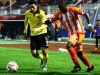 TFF 1. Lig: Adanaspor: 0 - İstanbulspor: 0 (İlk yarı)