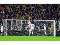 Süper Lig: Fenerbahçe: 0 - Karabükspor: 0 (İlk yarı)