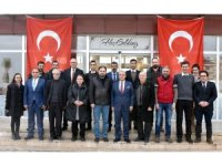 Başkan Kayda'dan gazetecilere kahvaltılı kutlama