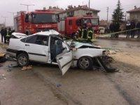 Karaman'da otomobil ile kamyonet çarpıştı: 1 ölü, 6 yaralı