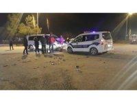 Denizli'de kamyonet ile otomobil çarpıştı: 9 yaralı
