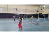 Çavdarhisar'da Badminton Kursu açıldı