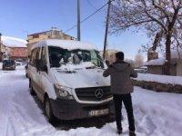 Karlıova'da 5-10 santimlik kar mutlu etmedi