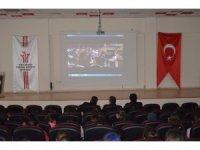 Adilcevaz'da öğrenciler sinemayla buluştu