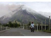 Filipinler, Moyan Yanardağı çevresini felaket bölgesi ilan etti