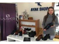 Ankaralı kadın girişimci, kişiye özel tasarladığı ayakkabılarla dünyaya açılıyor