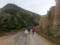 Doğa yürüyüşleri ile Kula'nın tanıtımına katkı sağlıyorlar