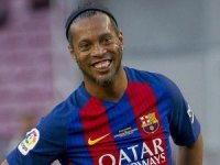 Ronaldinho futbolu bıraktı