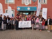 İdil'de köy okulları sporla buluşuyor