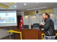 Toroslar'da belediye personeline 'uyuşturucu' semineri