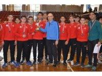 Genç erkeklerin şampiyonu İncirliova Spor Lisesi