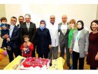 Yozgat Şehir Hastanesi birinci yılını pasta keserek kutladı